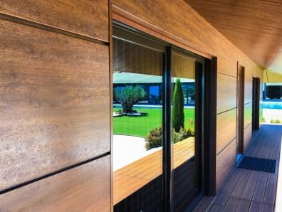 Rehabilitación de Fachada con Panel Arquitectónico Madera
